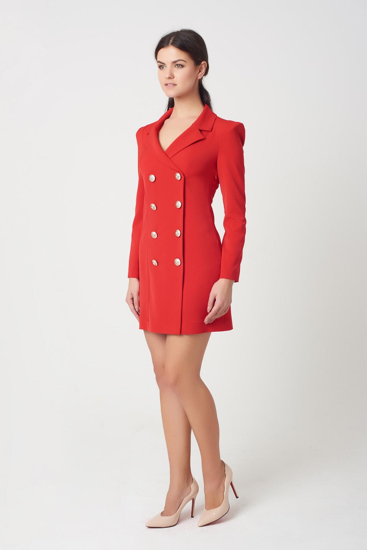 Красное платье с пиджаком